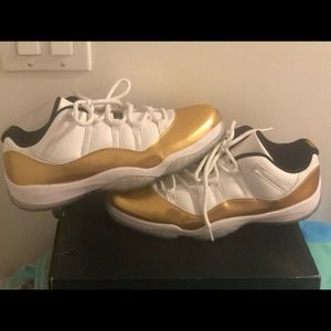 Air Jordan retro 11 lows